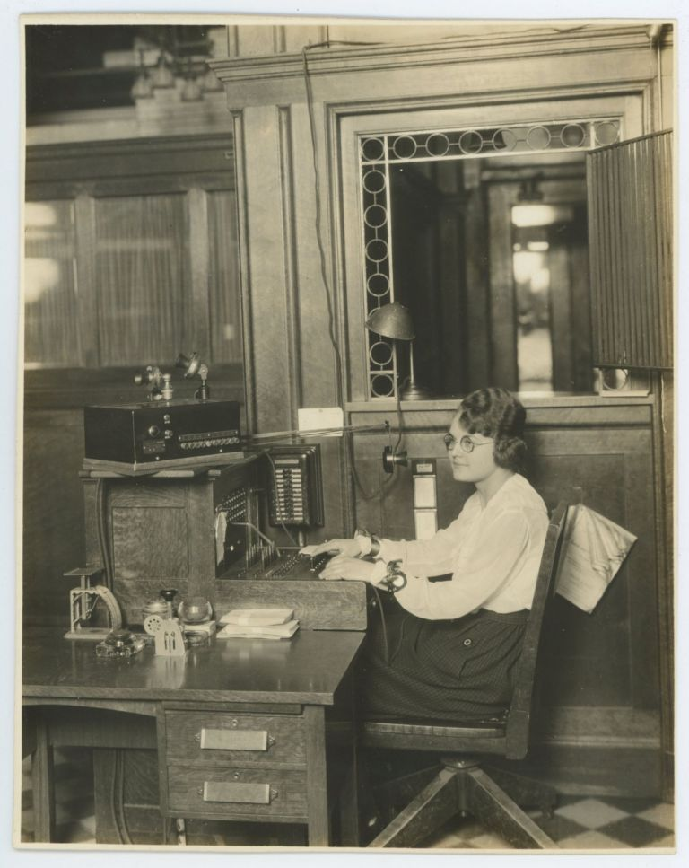 WOMAN WORKER SWITCHBOARD OPERATOR 1920's PHOTO