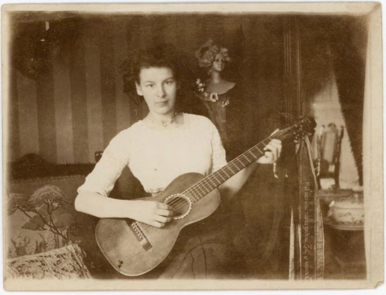 WOMAN MUSICIAN WITH GUITAR SNAPSHOT PHOTO