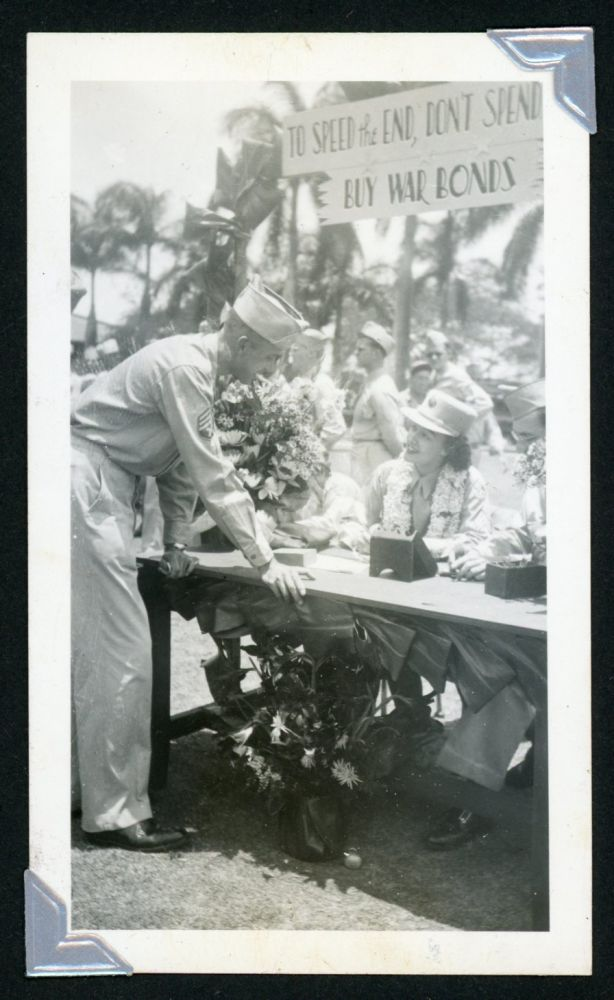 WWII ERA MILITARY MAN in HAWAII PHOTO ALBUM
