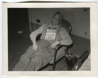 DO NOT DISTURB SLEEPING MUSICIAN VINTAGE SNAPSHOT PHOTO