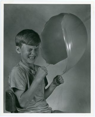 CHILDREN POPPING BALLOONS SERIES OF PHOTOS BY CHARLIE MILLER OF MIT