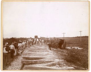 TRAIN CRASH IN MEXICO 1899 PHOTO WOODEN RAILS LARGE MOUNTED PHOTO
