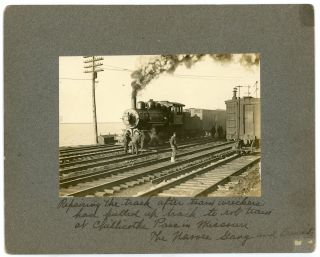 CHILLICOTHE PASS MISSOURI FIXING RR TRACKS AFTER TRAIN ROBBERY VINTAGE PHOTO
