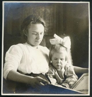 1911 PHOTO ALBUM - DOTED ON LITTLE GIRL