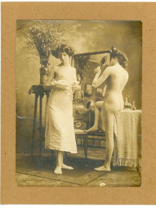 BOUDOIR SCENE NUDE WOMEN PHOTO c. 1910
