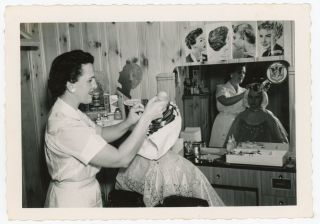 HAIR SALON BEAUTY PARLOR 1940s SNAPSHOT PHOTO LOT