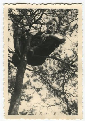 YOUNG FANCY MAN PERCHED IN A TREE VINTAGE SNAPSHOT PHOTO